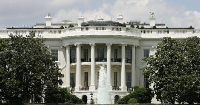 WH Convening Summit With Top Execs on Chip Shortage