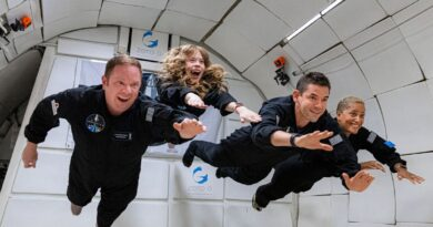 Netflix and SpaceX show how streaming space tourism is the new reality TV